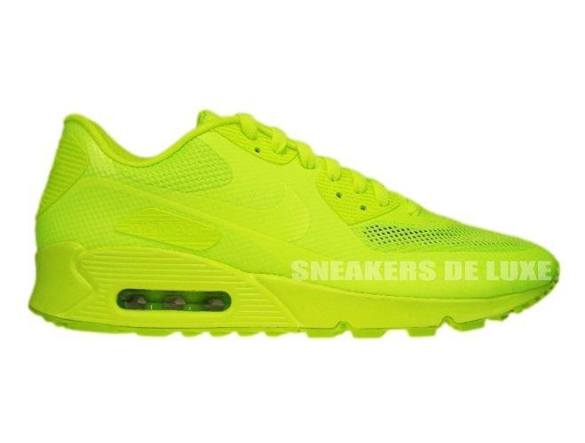 Air Max 90 Hyperfuse Volt On Feet English: Nike A...