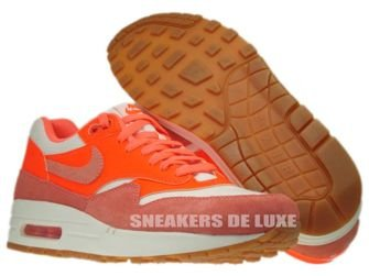 555284-106 Nike Air Max 1 Vntg Sail/Bright Mango-Total Crimson-Gum Medium Brown