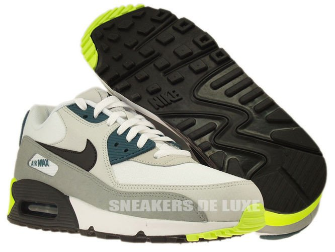 537384 105 Nike Air Max 90 Essential White Black Prune